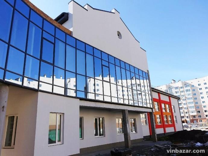 У нову школу на Поділлі зараховують перших учнів та шукають вчителів