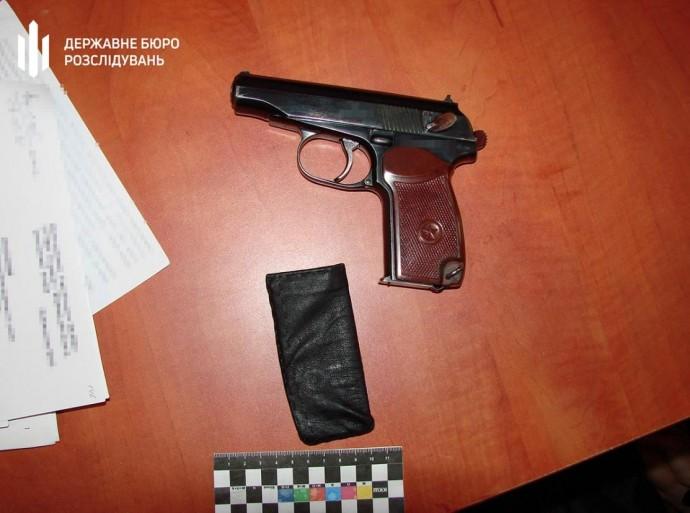 Справа самогубства поліцейського на Вінниччині: у ДБР оголосили підозру правоохоронцю, який залишив пістолет без нагляду (Фото)