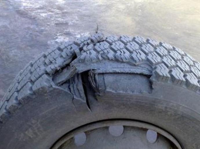 У Козятинському районі через вибух колеса вантажівки постраждав водій