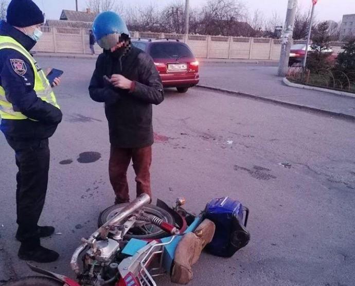 У Вінниці нетверезий мопедист зіткнувся з автомобілем Toyota