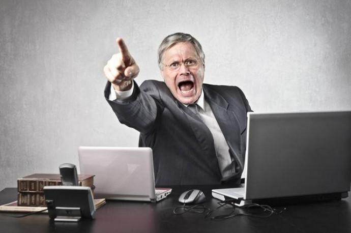 Токсичный начальник: как его распознать и можно ли с ним работать