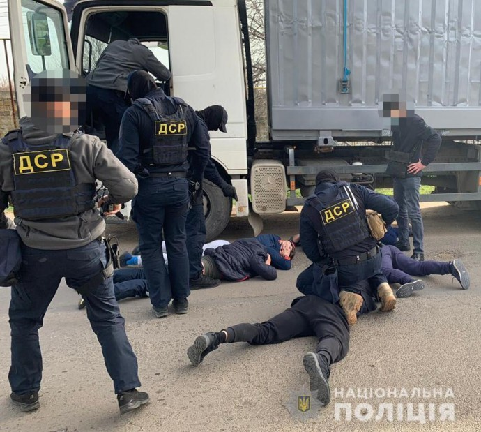 Затримали банду, яка викрадала пестициди з складів фермерів на Вінниччині та Одещині (Фото+Відео)