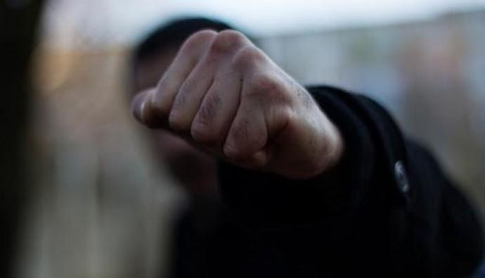 У Барському районі неповнолітній вдарив односельця у голову. Чоловік помер