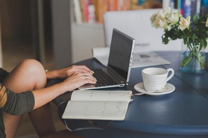 Как правильно работать дома: опыт украинцев и советы экспертов