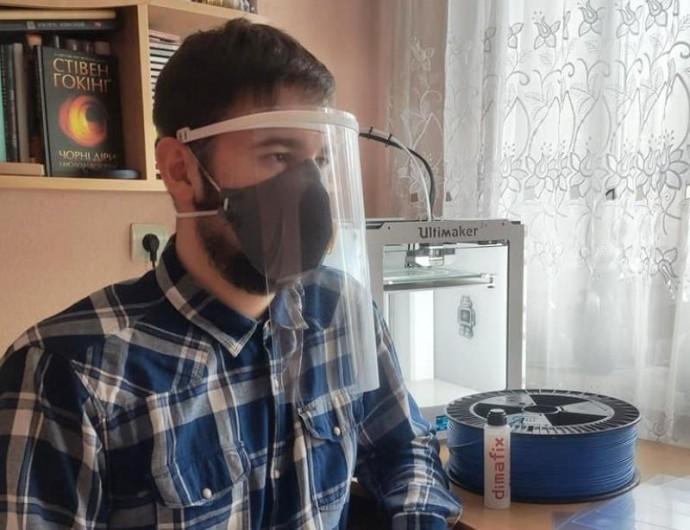 У Вінниці почали друкуватизахисні щитки для медиків на 3D принтері (Фото)