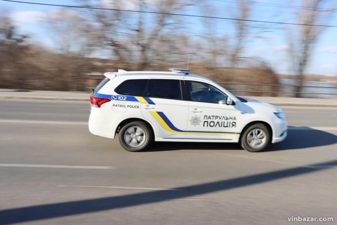 У Вінниці патрульні супроводили до лікарні авто з дитиною, в якої стався напад апендициту (Відео)