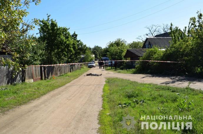 У Гайсинському районі затримали чоловіка, який посеред вулиці вбив односельця (Фото)