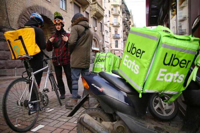 Сервіс UberEats, який лише в квітні запрацював у Вінниці, покидає Україну