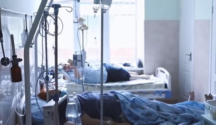Вінницька міська лікарня переповнена хворими з COVID-19. Пацієнтів на лікування відправлятимуть до Калинівки (Фото)