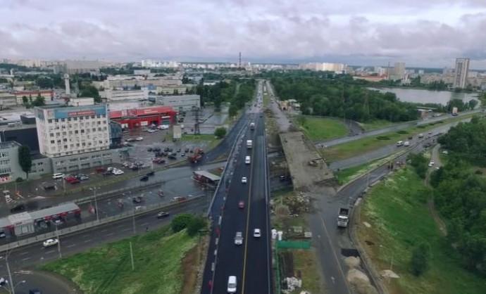 В Киеве ремонтируют 13 мостов (Відео)