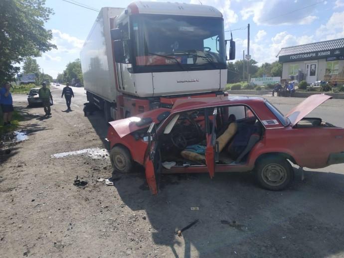 На Вінниччині у ДТП загинув військовослужбовець (Фото)