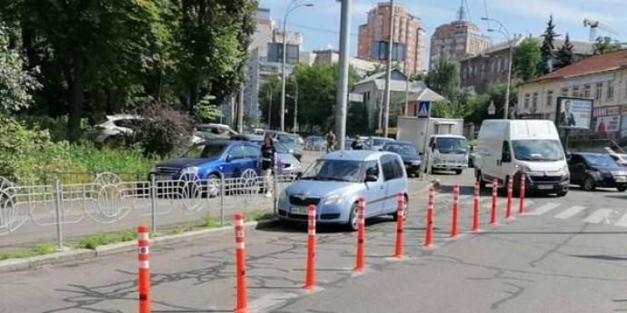 На проспекте Победы сделали невозможной неправильную парковку