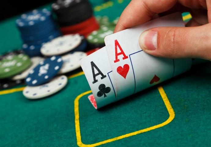 Виды игральных карт: какая колода подойдет для покера