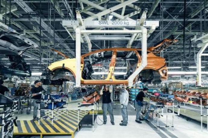 Nissan скорректирует план производства на этот год на 30%