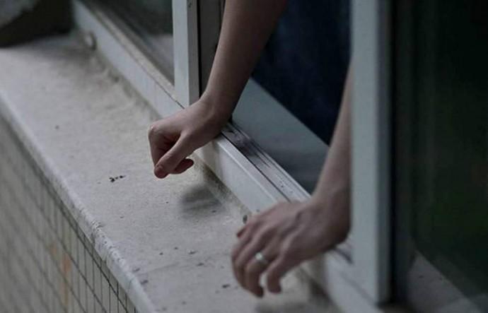 У Вінниці з балкона 11 поверху випав чоловік