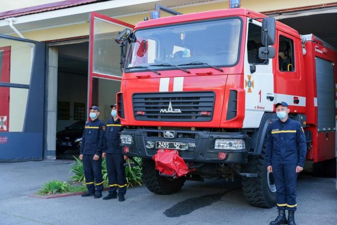 Рятувальникам Вінниці передали новий спецавтомобіль (Фото)