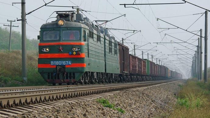 У Томашпільському районі вантажний потяг збив чоловіка