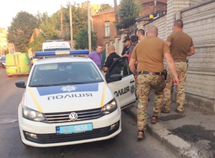 У Вінниці батько та син стріляли по кур'єру з доставки піци (Фото)