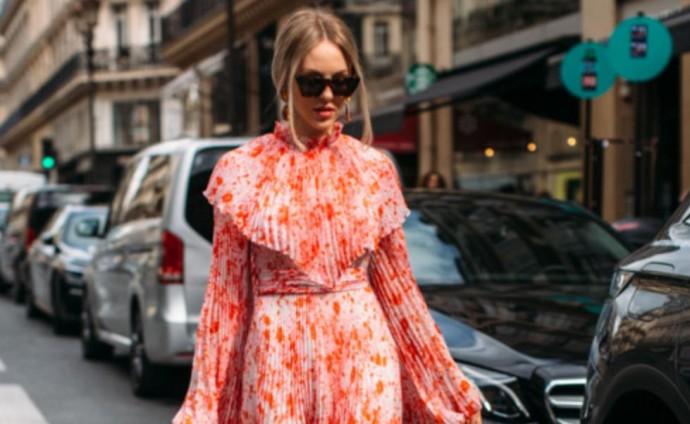 Объемные рукава, плиссе и макси: трендовые платья лета-2020
