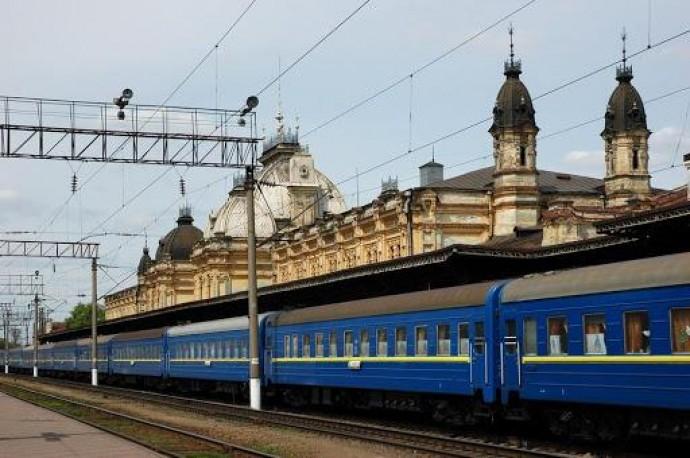 """""""Укрзалізниця"""" відновлює рух приміських потягів """"Жмеринка-Гречани"""""""