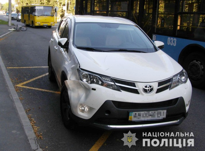 У Вінниці 11-річна велосипедистка потрапила під колеса Toyota