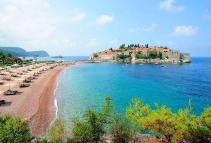 Из Черногории пропускают без самоизоляции?