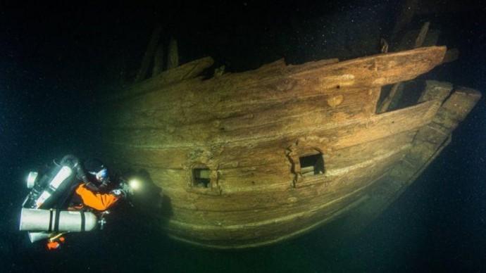 На дні Балтійського моря знайшли загадковий старовинний корабель