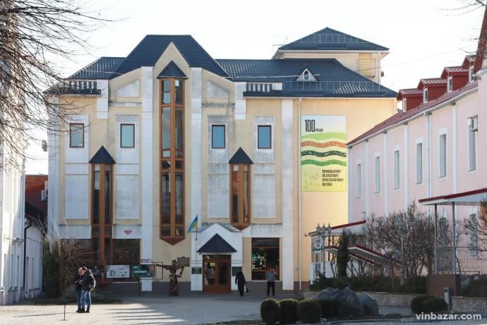 Артефакти з Вінницького краєзнавчого музею експонуватимуть в Києві (Фото)