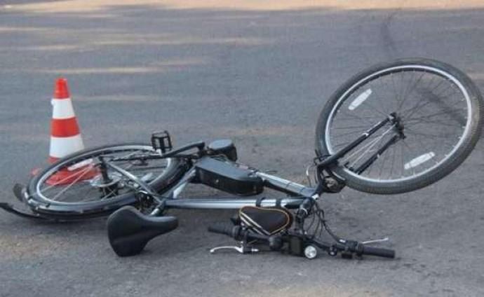 У Калинівському районі велосипедист потрапив під колеса SkodaOctavia
