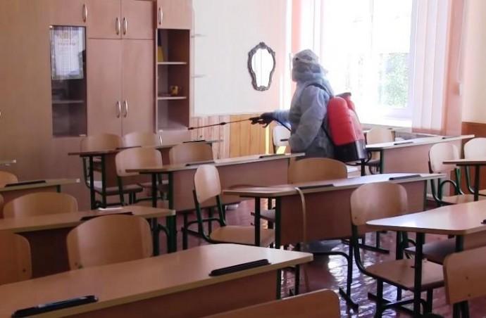 У Могилеві-Поліському діти не ходять до гімназії. У 4 вчителів виявили коронавірус (Відео)