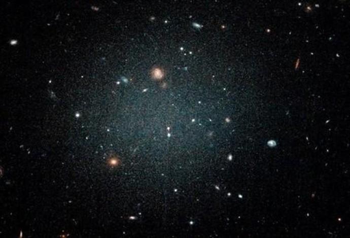 Вчені підтвердили нову теорію темної матерії