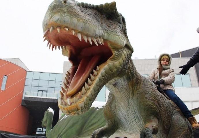 У зоопарку Вінниці оселяться механічні динозаври (Фото)