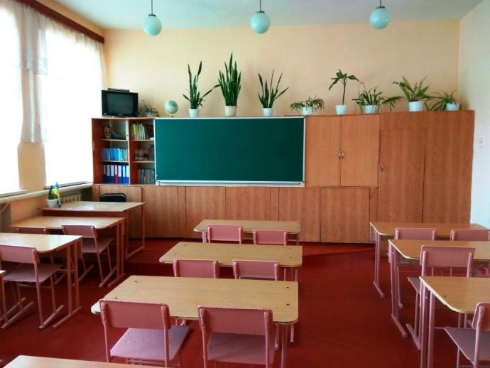 У школах Вінниччини через загострення ситуації з коронавірусом планують подовжити канікули, а студентів перевести на дистанційне навчання
