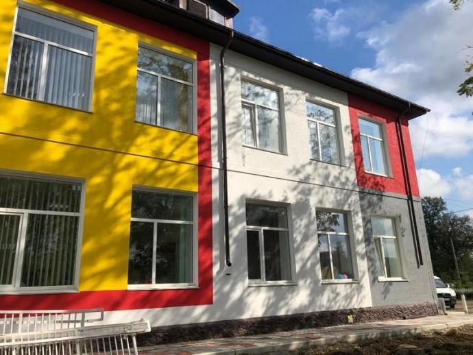 У Чернівецькому районі завершують ремонт опорної школи (Фото)