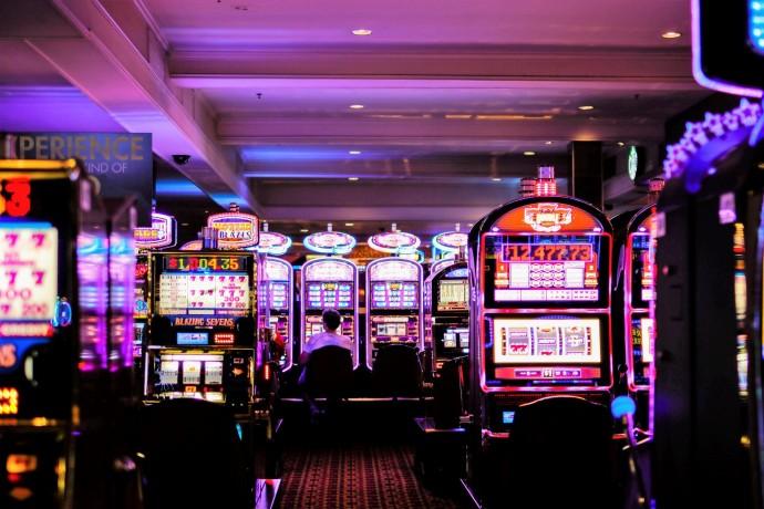 Космолот Украина: как азартные игры стали популярны в сети?