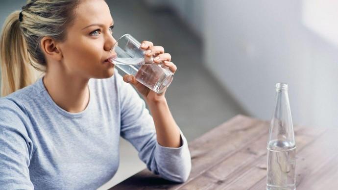 Чому вранці потрібно пити теплу воду?