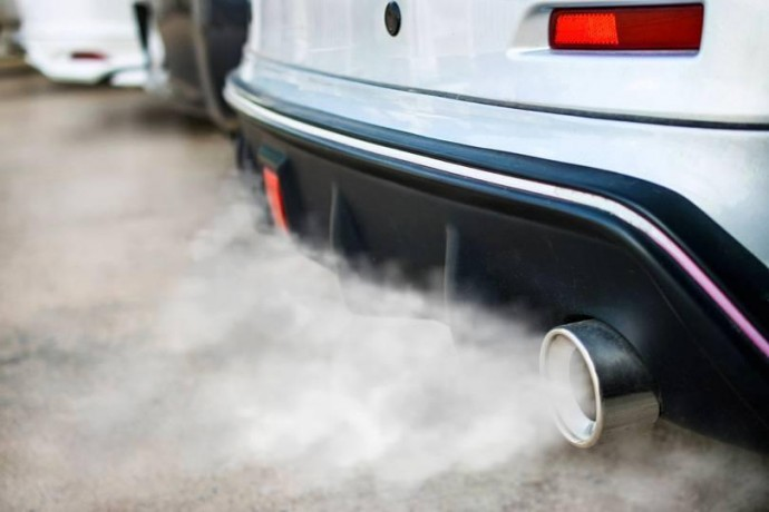 На Вінниччині чоловік отруївся чадним газом у авто