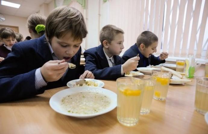 В Україні почав діяти новий санітарний регламент. Важливі зміни стосуються шкільного харчування