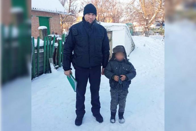 Йшов вулицею та плакав: у Калинівці загубився 8-річний хлопчик