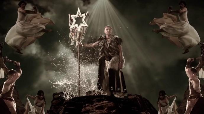 """Вінничанин створив ролик, у якому об'єднав близько 50 версій """"Щедрика"""" (Відео)"""