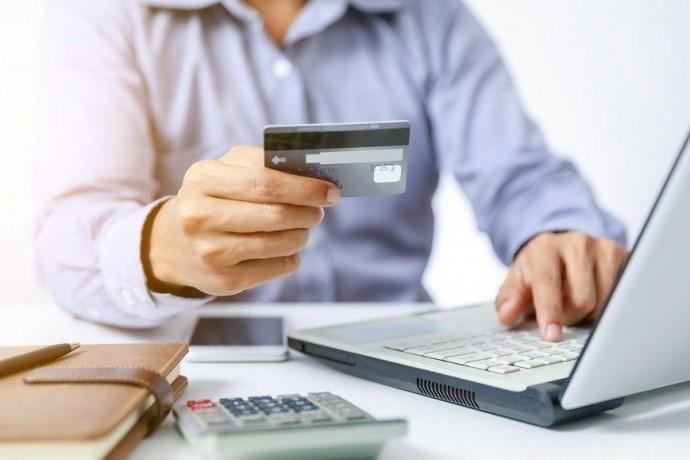 Де взяти гроші в кредит онлайн в Україні?