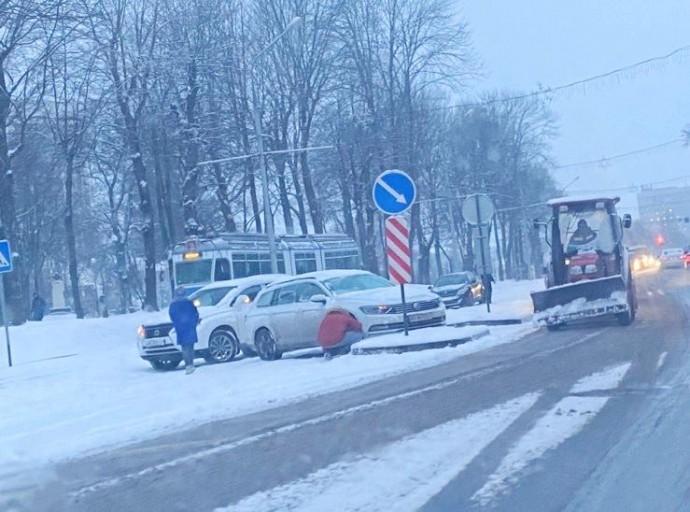 42 ДТП сталося на Вінниччині через снігопад (Відео)