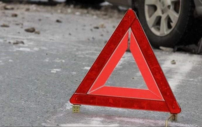 У Немирові вантажівка збила пішохода. Постраждала переходила дорогу у невстановленому місці