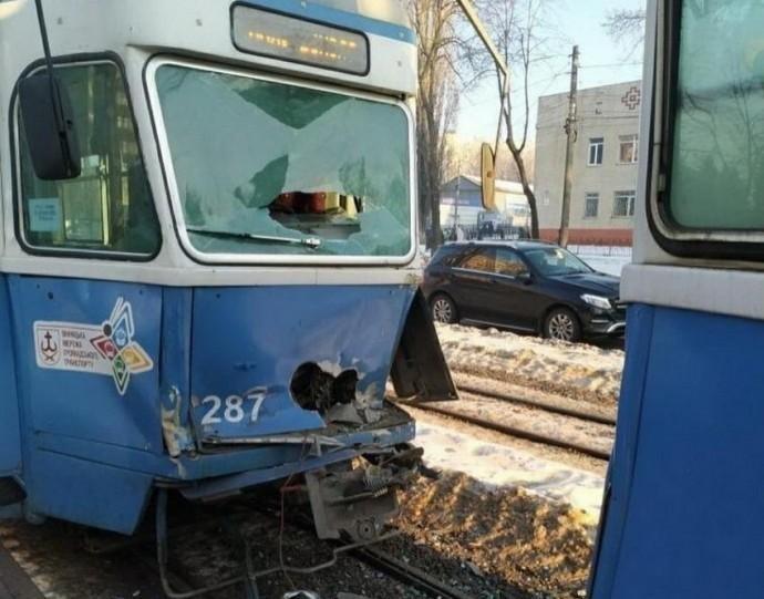 У Вінниці зіштовхнулись два трамваї (Фото)