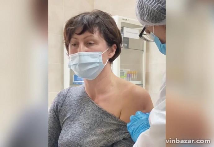 На Вінниччині вакцинували першу людину відCOVID-19 (Відео)