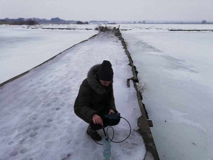 Екологи виявили забруднення річки Південного Бугу. У воді перевищує норму рівень азоту (Фото)