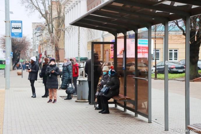 """В Україні розпочалася третя хвиля коронавірусу. Уряд розглядає введення """"нового"""" локдауну"""