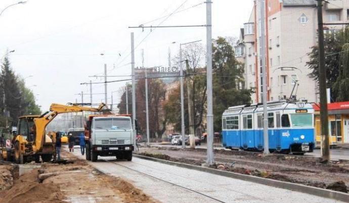 На Батозькій обмежать рух транспорту через реконструкцію водогону