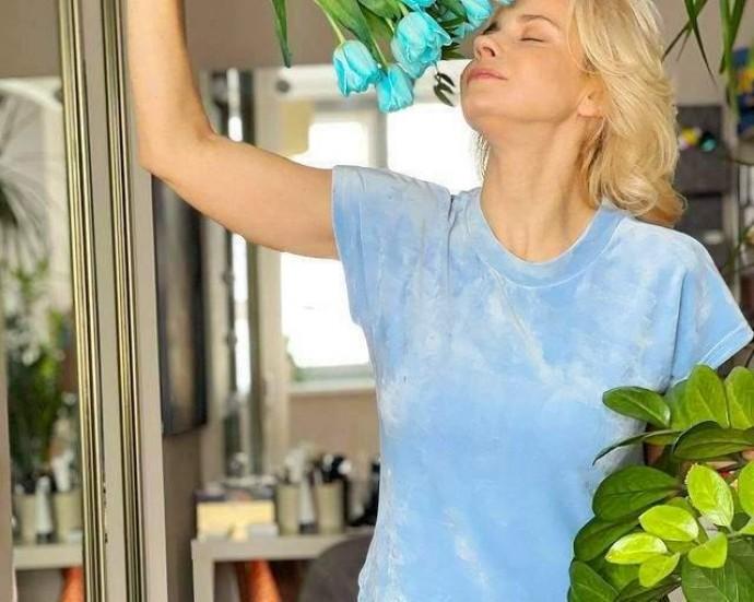 Лілія Ребрик зачарувала ніжним домашнім образом у блакитному