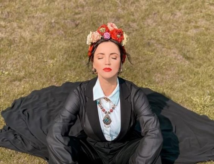 Співачка Ольга Цибульська вразила шанувальників стильним образом в українському вінку